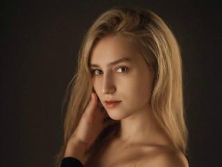 DesiredLola's profile picture