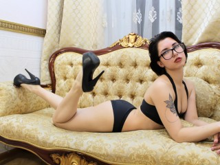 DiaDelorian's profile picture