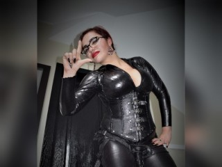 DominatrixAnnax's profile picture